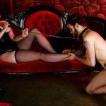 Zum devoten Sklaven erzogen